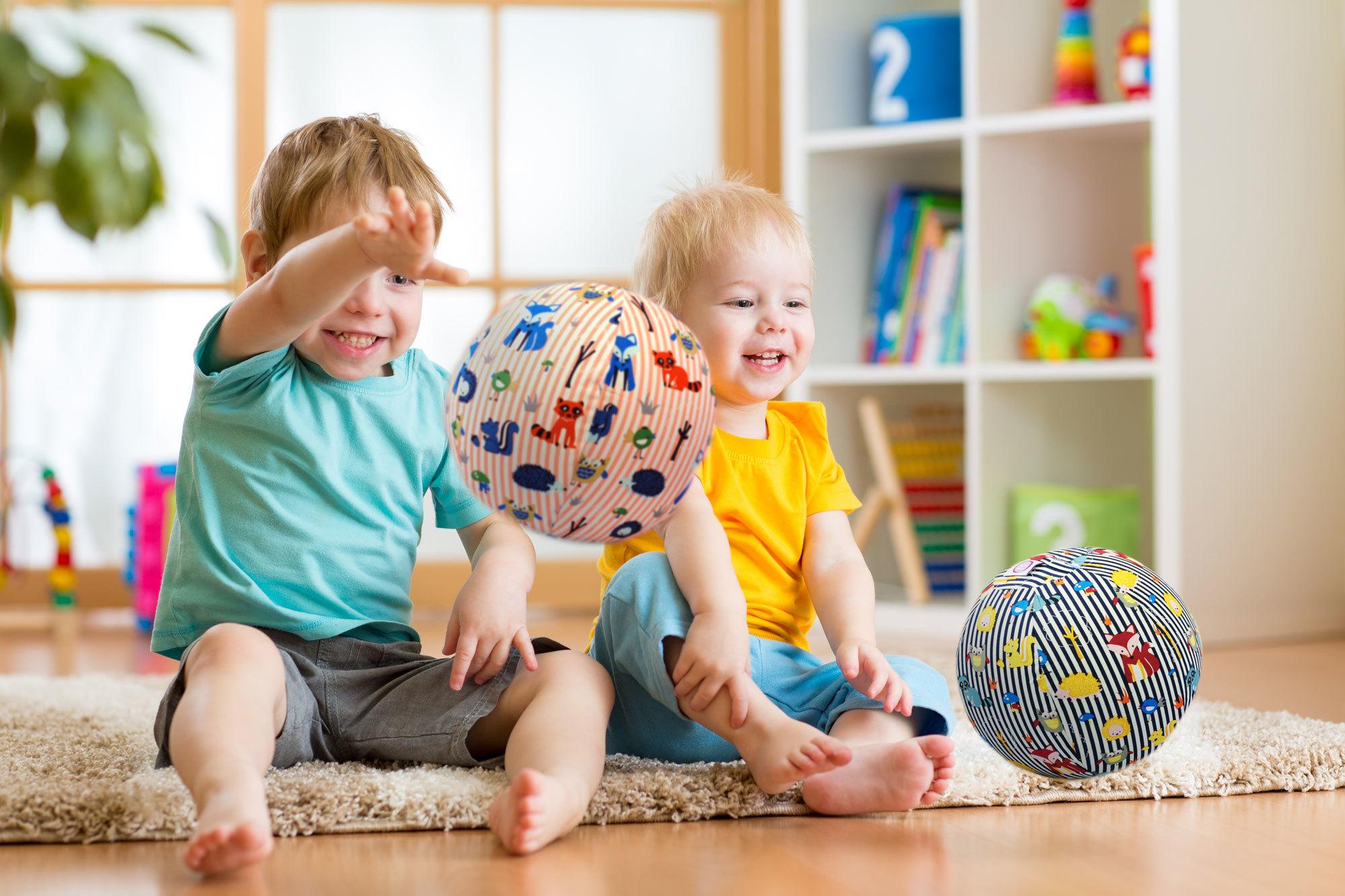 Картинки ребенок и игра