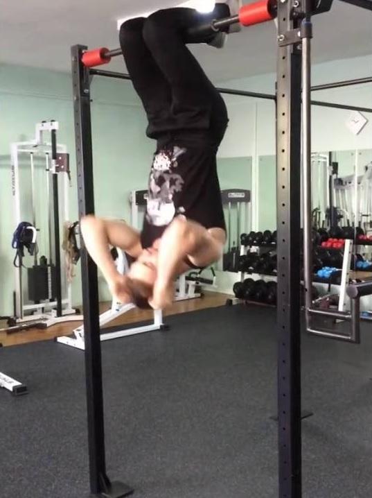 Упражнение вверх тормашками