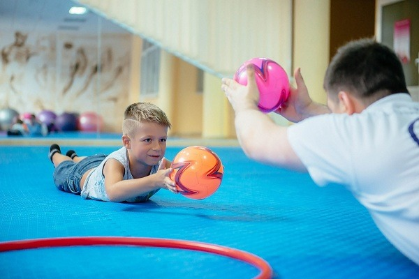 Спортивные упражнения и развитие ребенка thumbnail