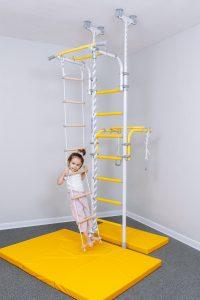 Шведская стенка для развития ребенка